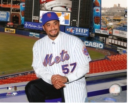 Johan Santana in Shea Stadium Mets 8x10 Photo
