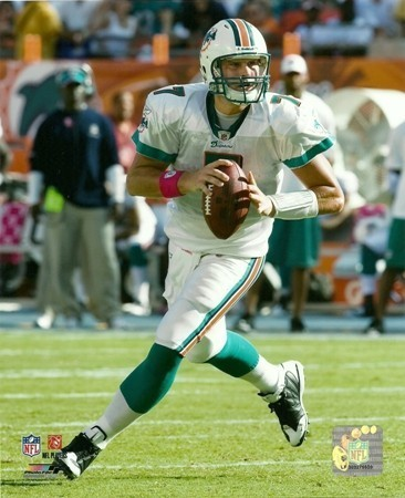 Chad Henne Miami Dolphins Rolling Out 8x10 Photo