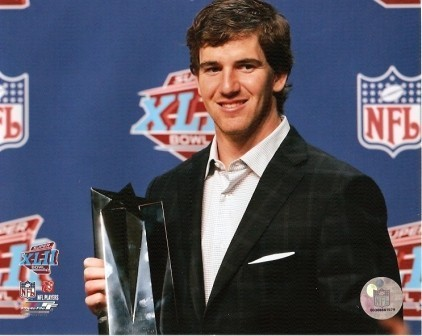 Eli Manning w/Super Bowl MVP Trophy 8x10 Photo