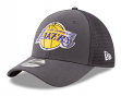 Los Angeles Lakers New Era NBA 39THIRTY 2017 On Court Graphite Flex Fit Hat
